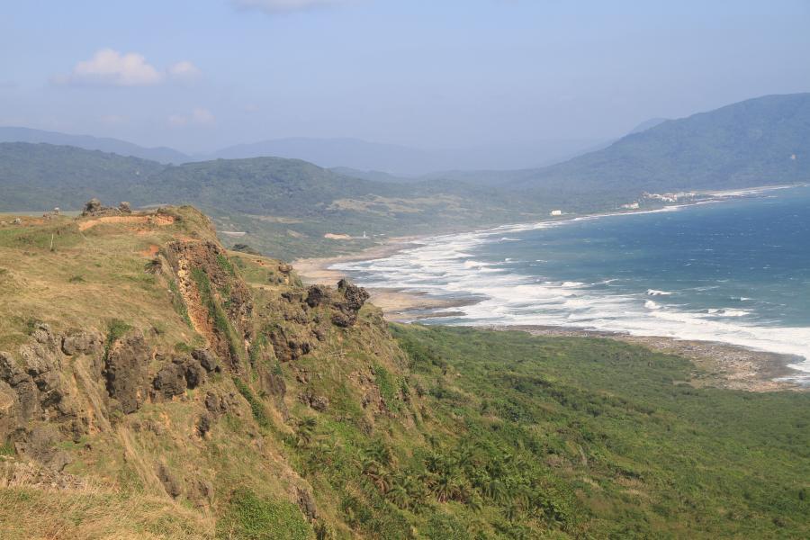 The beautiful scenery around the slope